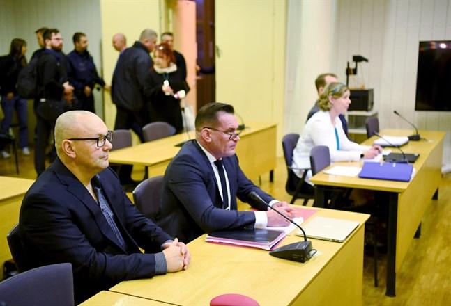 United Brotherhoods påstådda ledare Tero Holopainen och juris magister Ilkka Ukkonen mötte specialiståklagaren Anna-Riikka Ruuth och Polisstyrelsen i Östra Nylands tingsrätt i Borgå i början av januari.