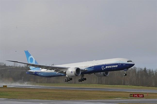 Flygplanet lyfte från en flygplats i Seattle vid sin jungfruflygning.