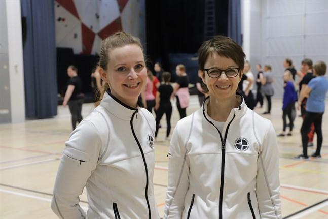 Elin Blomqvist och Carina Björkman på Gymnastikens dag i Närpes 2020.