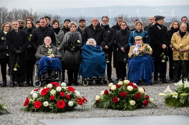 Günter Pappenheim, Eva Fahidi-Pusztai och Heinrich Rotmensch är några av dem som överlevde koncentrationslägret Buchenwald i östra Tyskland. Också där ordnades en minnesceremoni på måndagen.