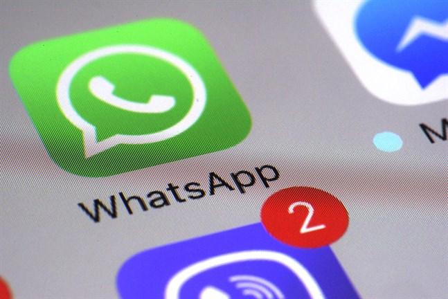 Meddelandeappen Whatsapp kommer från och med den 1 februari att sluta fungera för miljontals telefoner. Arkivbild.