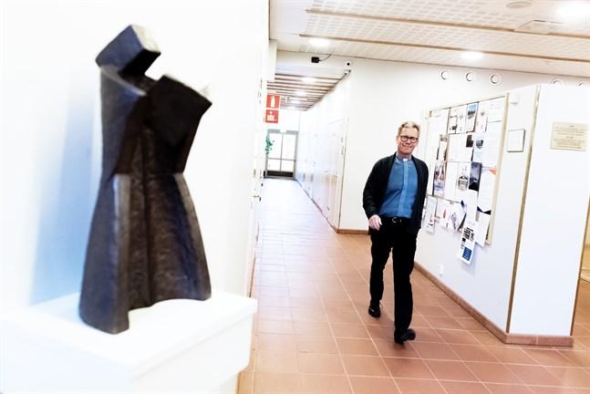 Jockum Krokfors har vandrat in i en ny kyrklig roll. På söndag installeras han som kyrkoherde i Jakobstads svenska församling.