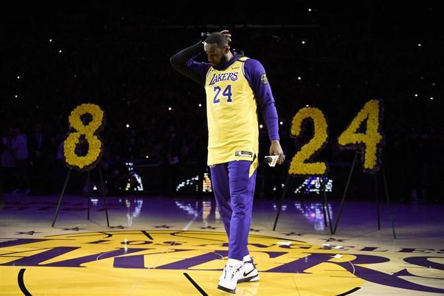 Los Angeles Lakers LeBron James höll ett känslosamt tal.