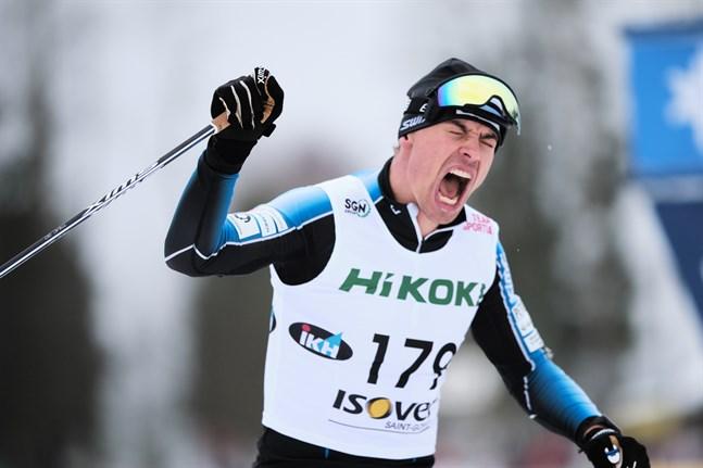 Perttu Hyvärinen tog hand om FM-guldet på 15 kilometer klassiskt i Iivo Niskanens frånvaro.