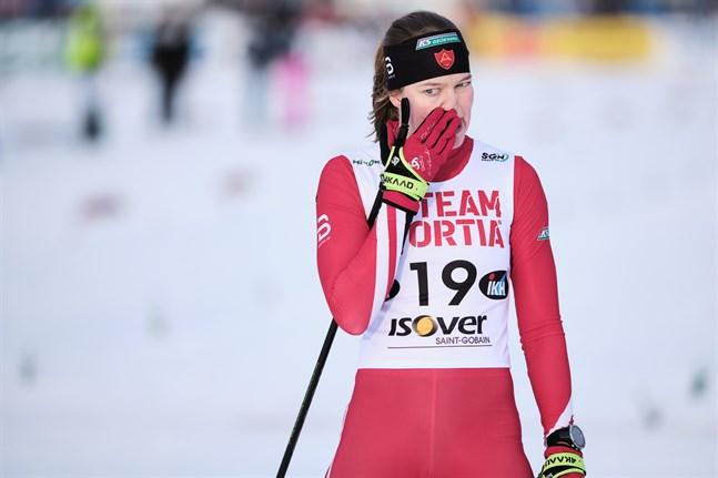 Det var en mycket besviken och arg Jennie Lindvall som gled över mållinjen efter olyckan i kvartsfinalen.
