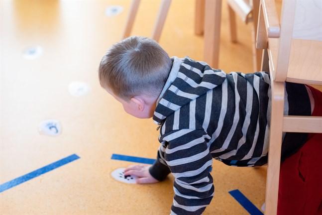 Vasas småbarnspedagogik pressas av stor efterfrågan på dagvårdsplatser.