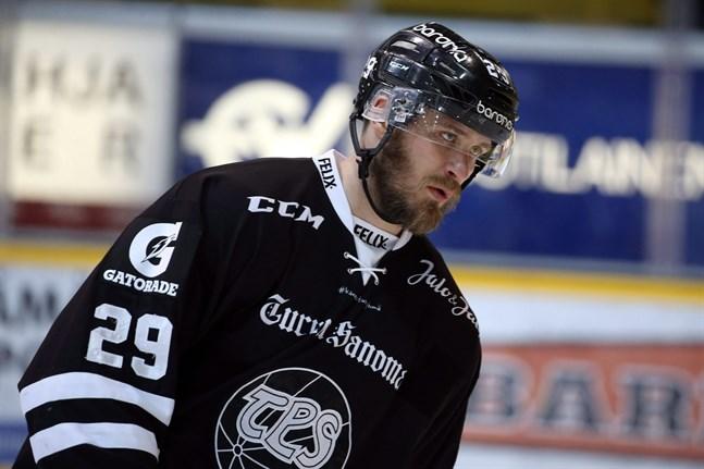 Jonne Virtanen spelar för tillfället i Herning i danska ligan.