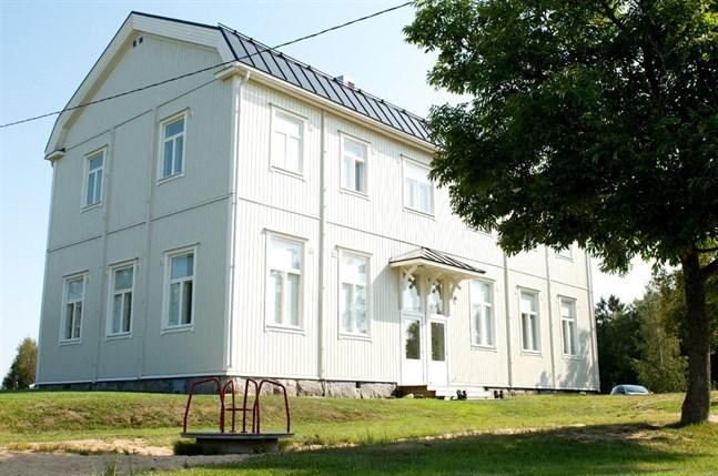 Utlåningsstationen finns i ett klassrum i Sundby skola.