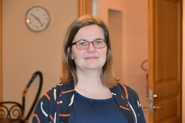 Ekonomidirektör Maarit Mäkelä tror på ett tufft 2021.