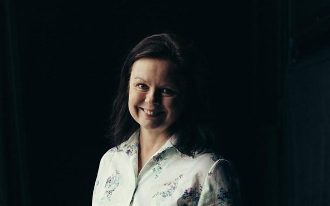 Ann-Luise Bertell skriver inkännande om udda, utstötta existenser i sin bok