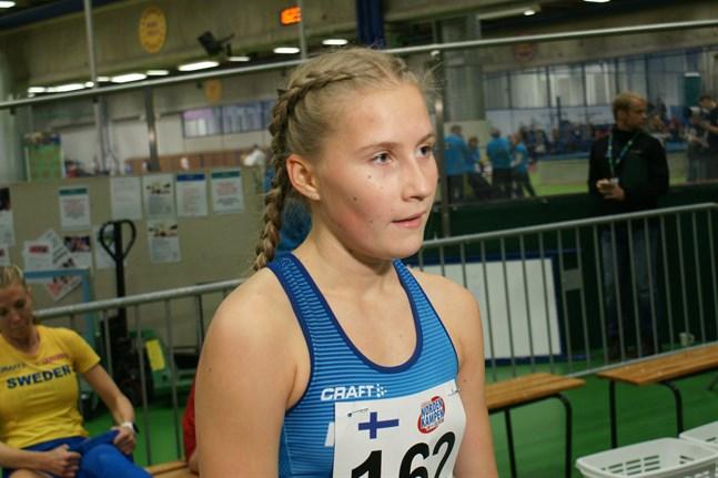 Falkens Nathalie Blomqvist var nära det egna rekordet i Nizza sent på lördagskvällen.