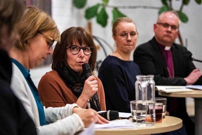 """I paneldebatten """"En människovärdig flyktingpolitik"""" deltog (från vänster) Anna-Maja Henriksson, Anne-Marie Rudnäs, Carolin Ahlvik-Harju och Bo-Göran Åstrand."""