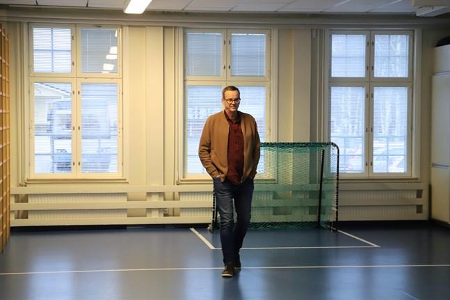 Jan-Henrik Häggdahl är en av tre lärare som snart blir pensionerade i Korsnäs.