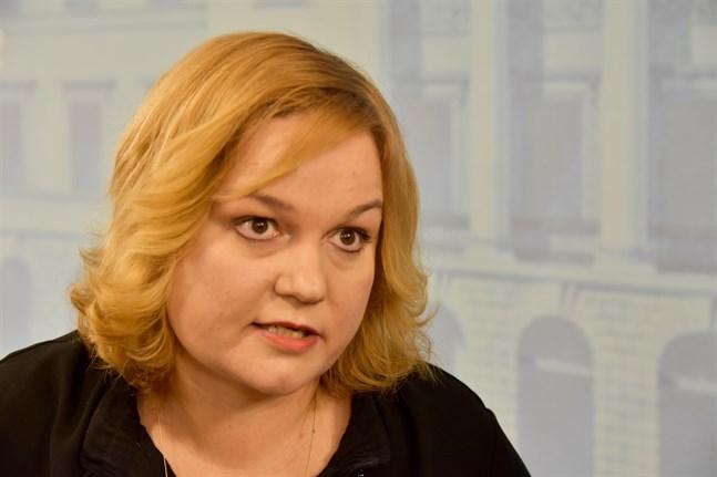 Familje- och omsorgsminister Krista Kiuru (SDP) är nöjd med förslaget på en reform av klientavgiftslagen.