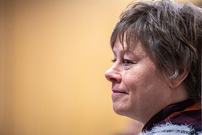 Stadsdirektör Stina Mattila tar till sig av kritiken, men avfärdar delar av den.