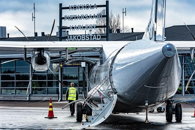 Både Finnair och Ryanair finns med på svarta listan.