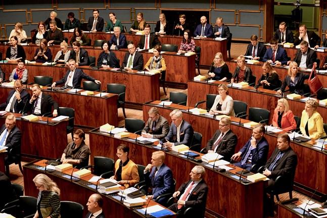 Riksdagen debatterade på torsdagen medborgarinitiativet om permanent sommartid.
