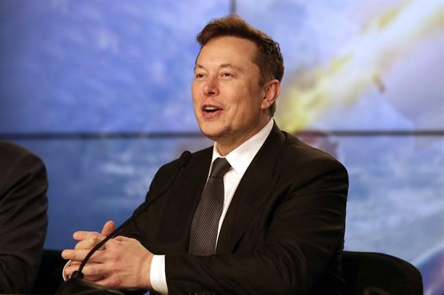 Tesla, med koncernchefen Elon Musk, vill dra in mer kapital för att stärka balansräkningen.