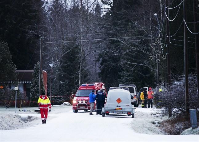 I december 2014 exploderade lugnet i Korsnäs. En bomb detonerade på en motorhuv och var nära att döda en person. Bombmannen dömdes för mordförsök men är i dag en fri man.