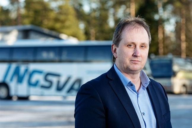 Ingves & Svanbäcks vd Kennet Svanbäck är mycket nöjd med affären som innebär att bolaget nu har över 100 bussar i trafik.