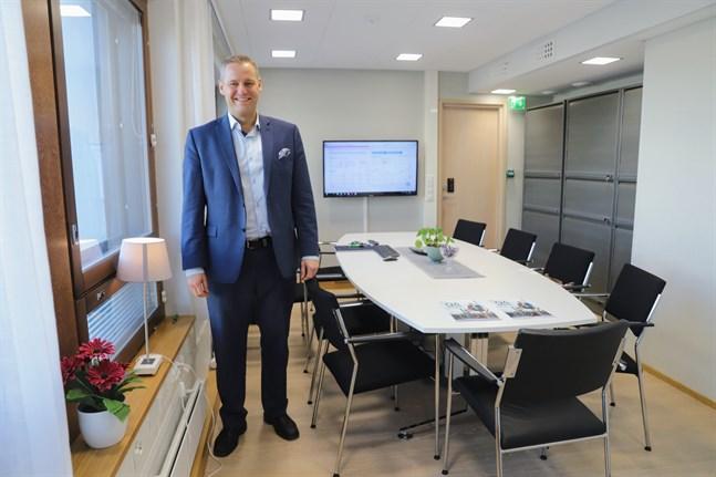 Vi är mycket nöjda med fjolåret, trots att det är mycket osäkerhet runt omkring oss, säger Stefan Grönholm, regiondirektör på Aktia i Österbotten.