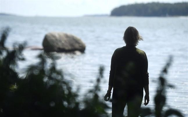Antalet unga i Sverige som får diagnosen könsdysfori, alltså att de upplever sig vara födda i fel kön, har ökat kraftigt de senaste åren, framför allt bland unga flickor.