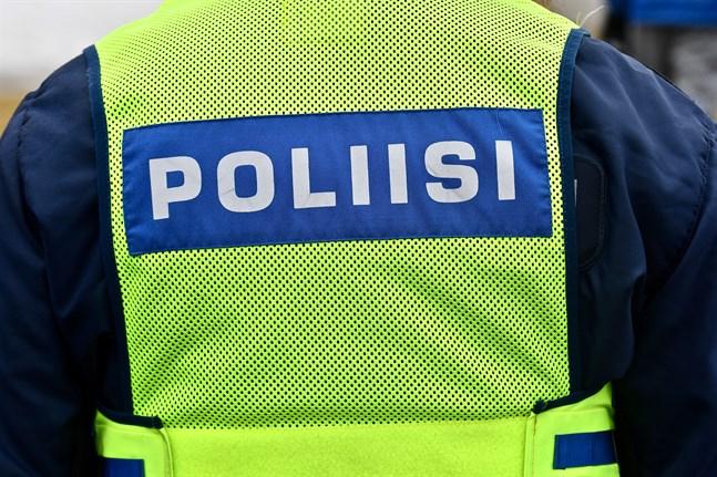 Enligt polisen kan höga snödrivor och den dåliga sikten ha bidragit till torsdagens dödsolycka i Rovaniemi.