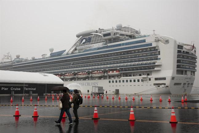 Kryssningsfartyget Diamond Princess ligger förtöjt i japanska Yokohama sedan den 3 februari.