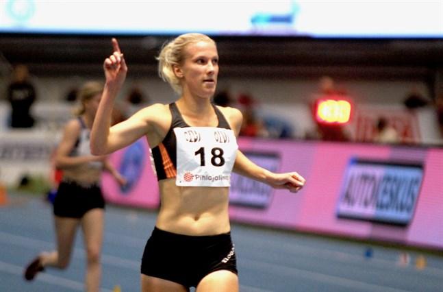 Camilla Richardsson löpte hem FM-guldet på 3000 meter i överlägsen stil.