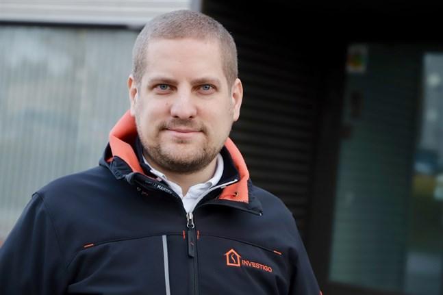 Niklas Mehtonen är ny ordförande för Kust-Österbottens unga företagare. Han hoppas fler vill komma med i gänget.