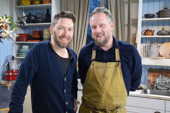 Programledaren Jonas Sundström och tv-kocken Anders Samuelsson.