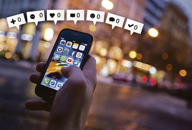 Det här är ett exempel på ensamhet en läsare berättade om: Att ha 500 vänner på sociala medier, men få eller ingen som skulle vara i kontakt för att träffas och tillbringa en eftermiddag eller kväll tillsammans.