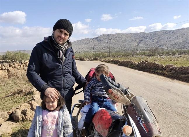 Abdulkafi Alhamdo har gett sig av min sin fru, sin motorcykel och barnen Lamar och Mohammed.