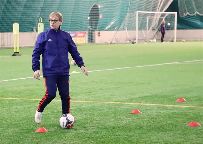 Lars Mosander har bland mycket annat varit med och byggt upp verksamheten i Wasa Fotbollsakademi.