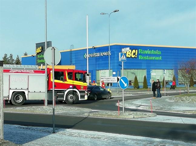 Två bilar var inblandade i krocken i Stenhaga.