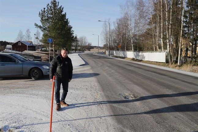 Christer Kantola är trött på hålen i Solfvägen.