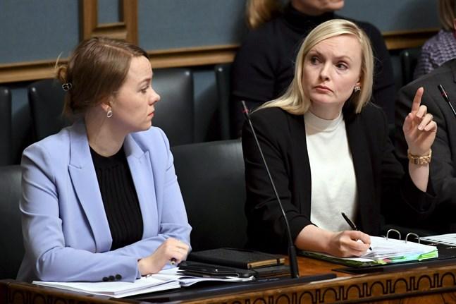 Enligt Helsingin Sanomat har finansminister Katri Kulmuni (C) och inrikesminister Maria Ohisalo (Gröna) svårt att komma överens.