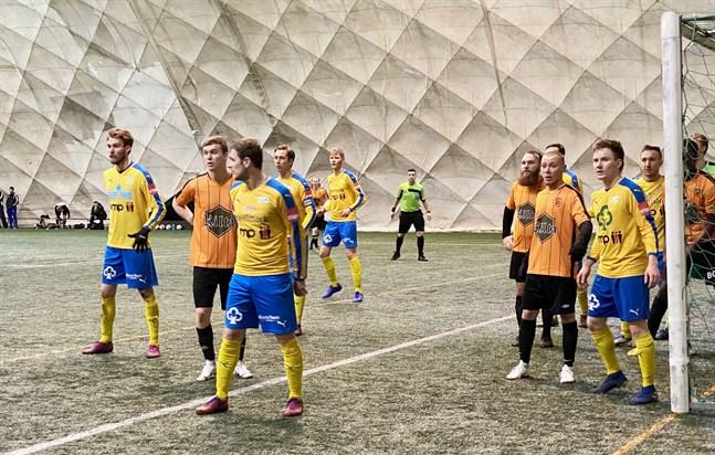 Kraft hade inga som helst problem med att slå Sääripotku i andra omgången i regioncupen.
