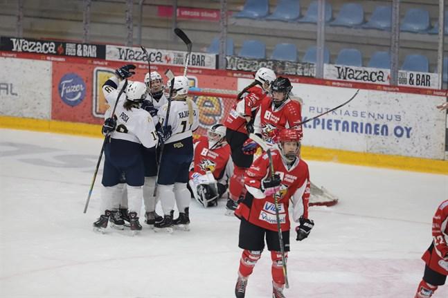 Sport inledde piggt under matchens första minuter, men åkte sedan på storstryk mot K-Espoo.