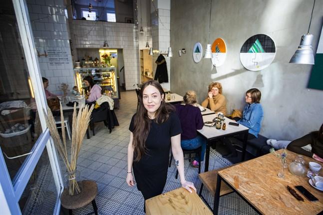 Vemodigt, men rätt beslut. Så känner Maria Lundström om att sälja sitt älskade café.