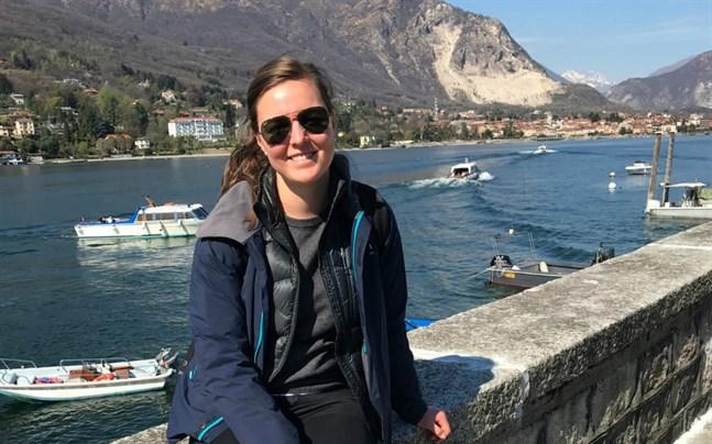 Jessica Östman bor i Trieste i Norditalien. Hon försöker iaktta extra försiktighet den här veckan men vill ändå inte isolera sig på grund av coronaviruset.