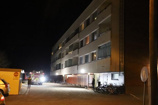 Räddningsverket ryckte ut till en misstänkt brand på Teklavägen i Smedsby på torsdagskvällen.