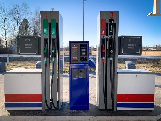 Höjningen av bränsleskatten drabbar landsbygden mer än tätorterna, skriver Rainer Bystedt.