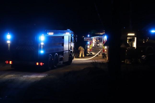 Brandkåren kom fram i sista stund, berättar jourhavande brandmästare Vesa Berg.