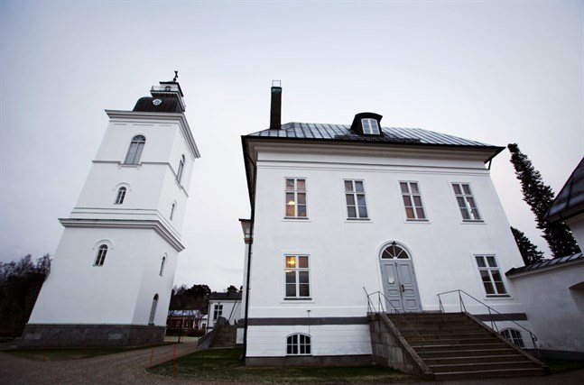 Korsholms kyrkliga samfällighet väljer inom kort en ny förvaltningschef.