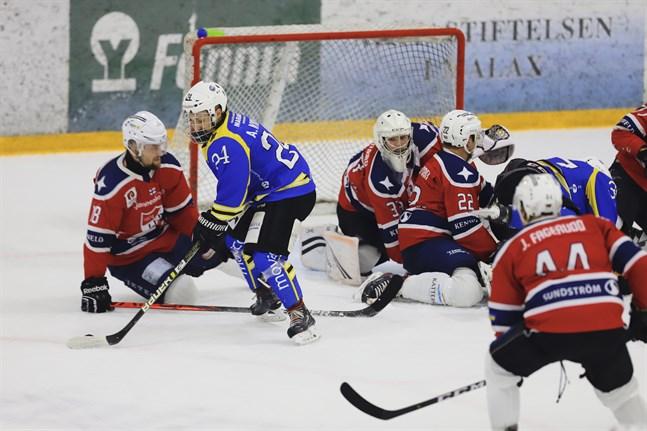 Andreas Nykvist, här mot IFK Lepplax i slutspelet i våras, gjorde Malax IF:s enda mål borta mot Virkiä.