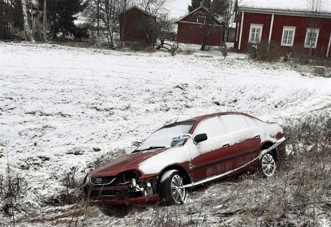 Föraren i bilen som landade i diket i Lappfjärd misstänks för grovt rattfylleri.
