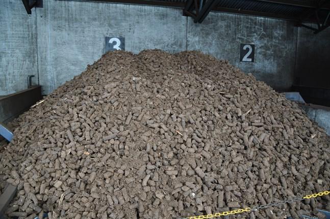 Bittorven utgör en stor del av bränsleanvändningen i Närpes fjärrvärmes anläggning. Nu blir en stor del av användningen skattefri.