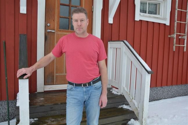 Det blev ett tränarbyte i Korsnäs FF kan ordförande Stefan Eklund berätta.