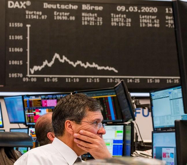 Det är full kaos på aktiemarknaden.